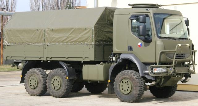 Tatru pomáhala držať nad vodou česká armáda, ktorá si v roku 2006 objednala viac než 500 vozidiel T-810. Už menej sa vedelo, že veľkú časť súčiastok dodal francúzsky Renault. Foto - Army.cz