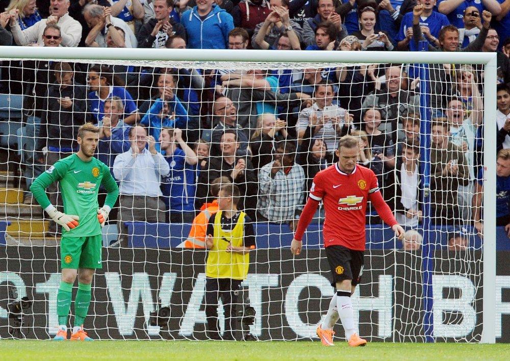 De Gea pred dvoma rokmi získal s United jubilejný 20. titul v Premier League, no nie vždy bol s podporou defenzívy spokojný. Foto - AP