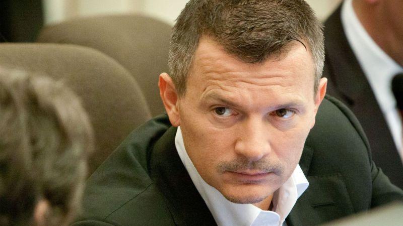 Minister Ján Počiatek má byť tým, kto má podľa RegioJetu zasiahnuť. Foto - TASR