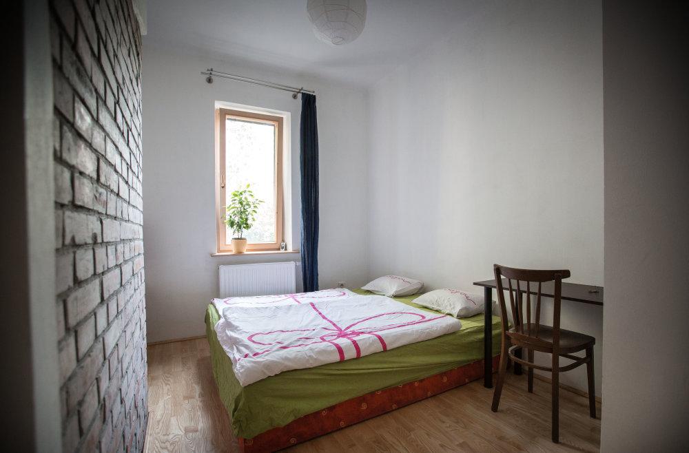 Bratislava, 24.8.2015. Izba pre dvoch, ktorú Bratislavčan Henrich ponúka cez Airbnb za asi 28 eur na noc. Foto N - Tomáš Benedikovič