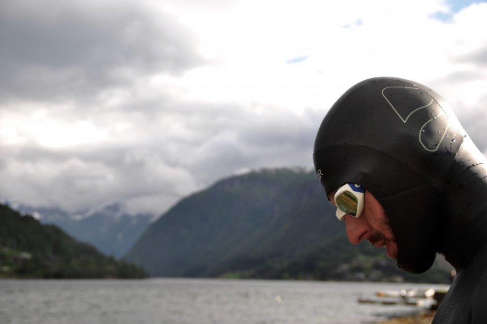Michal Truban v potápačskej kukle počas triatlonu. Foto – archív Michala Trubana