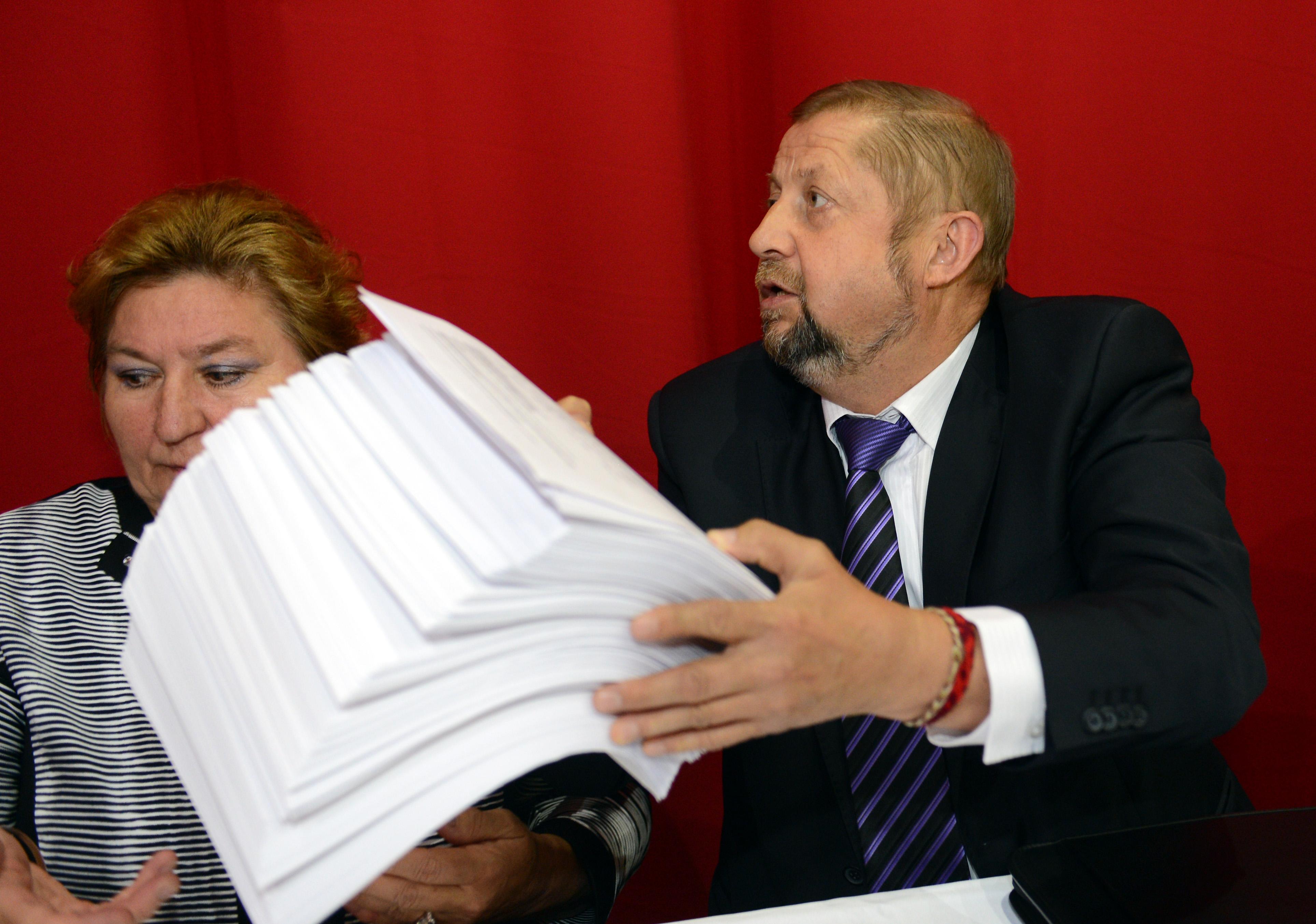 Štefan Harabin a sudkyňa Gabriela Šimonová z jeho senátu. Foto – TASR