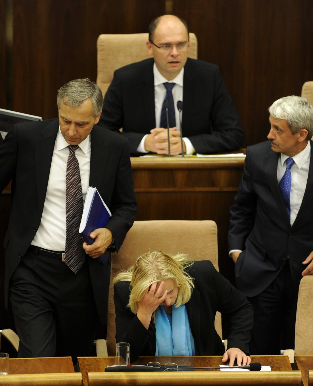 Práve padla vláda. Hlavní aktéri: Iveta Radičová, Richard Sulík a Mikuláš Dzurinda. Foto - TASR