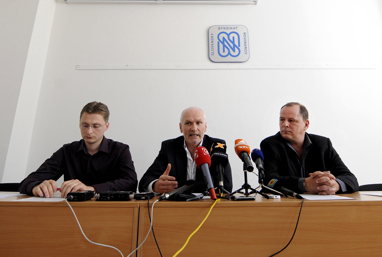 Visolajský, bývalý šéf odborárov Marián Kollár počas štrajkov lekárov, keď podávali výpovede. Foto - Tasr