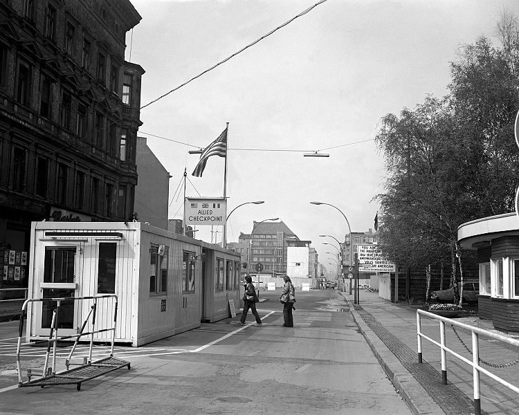 Checkpoint Charlie 1977