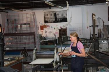 Eva Svítková v dielni