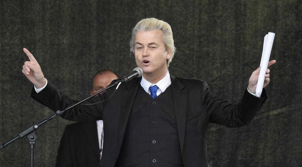 Líder holandskej protiislamskej Strany Slobody Geert Wilders počas prejavu na mítingu hnutia PEGIDA v apríli. FOTO - TASR/AP