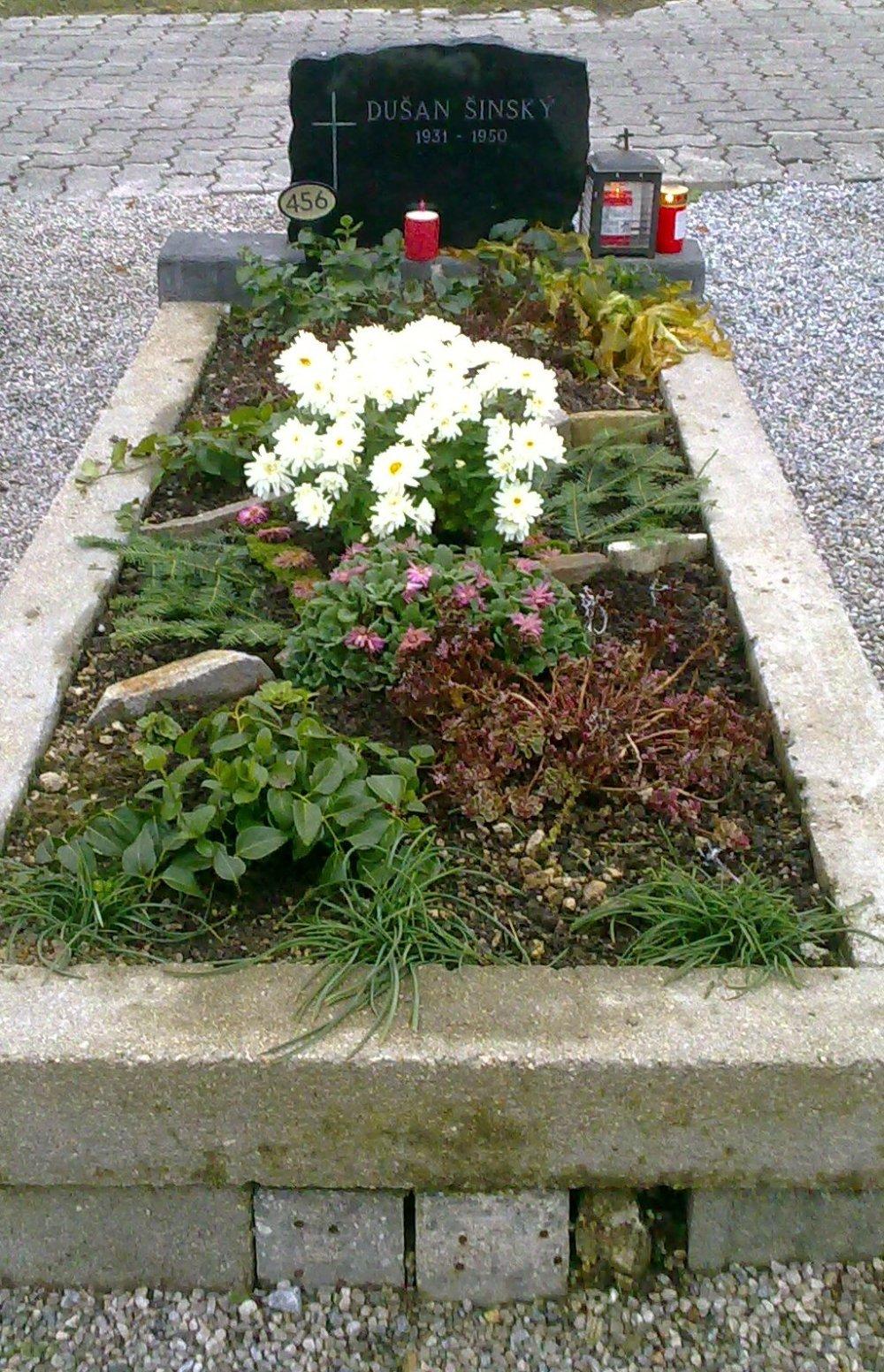 Hrob Dušana Šinského