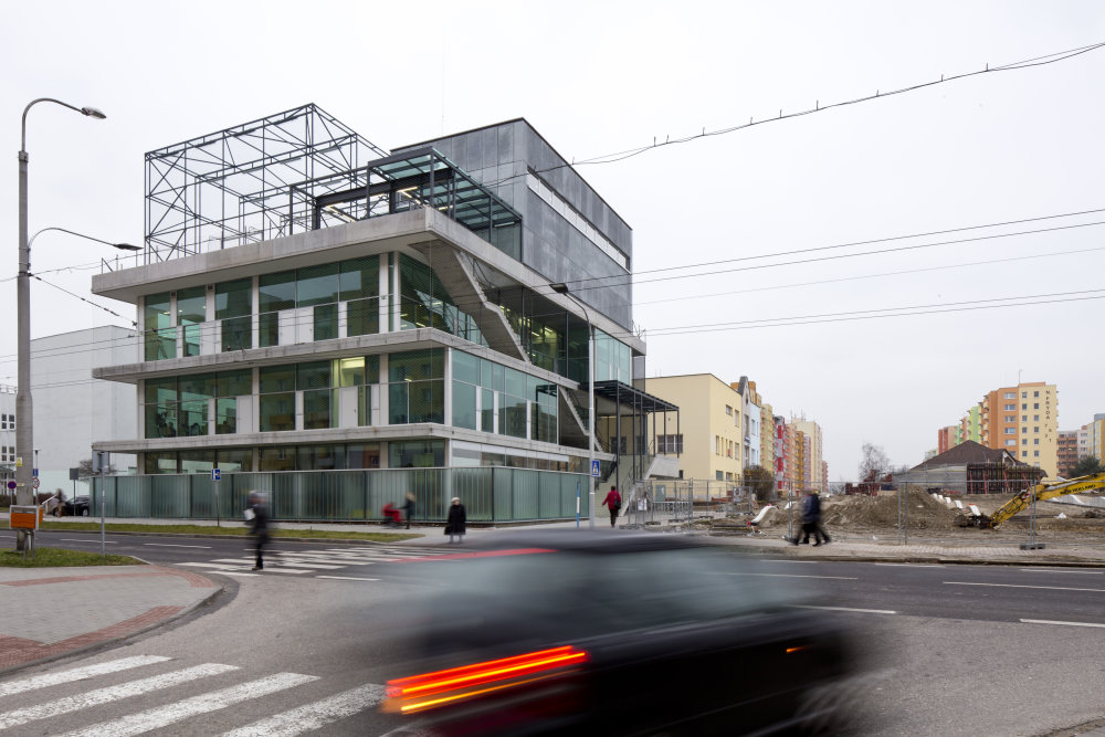 Komunitné centrum Máj. Foto - Hochtief CZ.