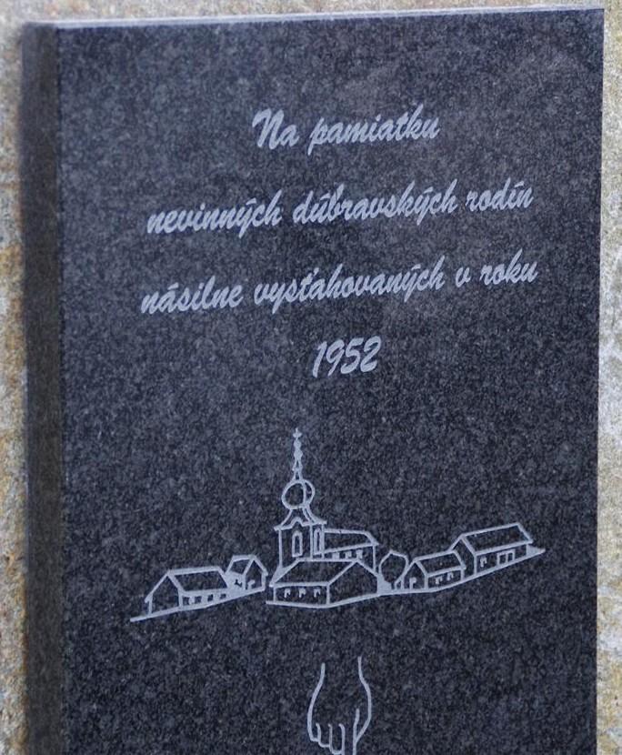 Pamätná tabuľa Dúbravka 002
