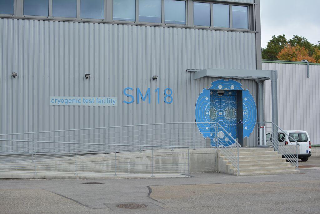 Hala SM18, miesto testovania komponentov pre LHC a časté miesto návštev exkurzií. FOTO – Marcel Serina