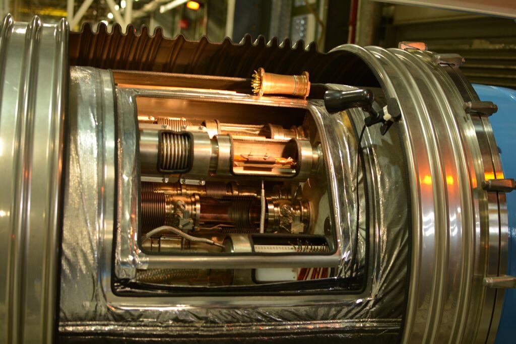 Prierez harmonikovou štruktúrou v mieste prepojenia dvoch magnetov. FOTO – Marcel Serina