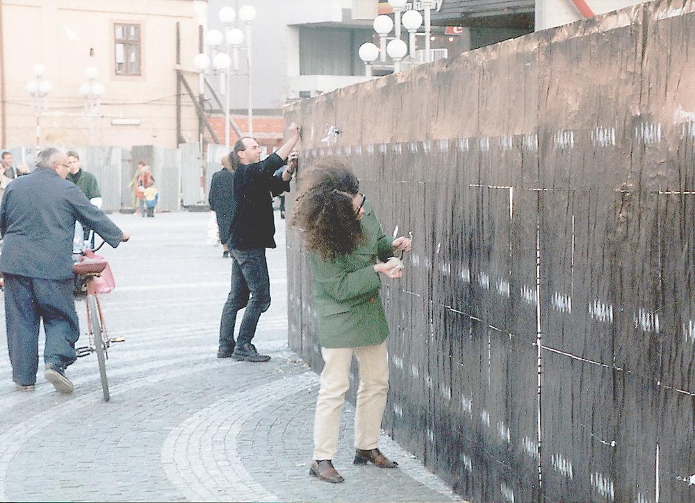 Milan Mikula: Plagátovacia akcia Plocha, 2000, Trnava