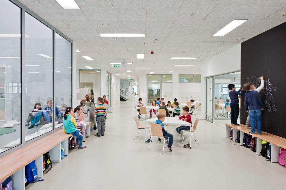 Viedenská štátna materská a základná škola Bildungscampus Sonnwendviertel vychádza z inovatívneho vzdelávacieho konceptu mesta. Foto - Hertha Hurnaus