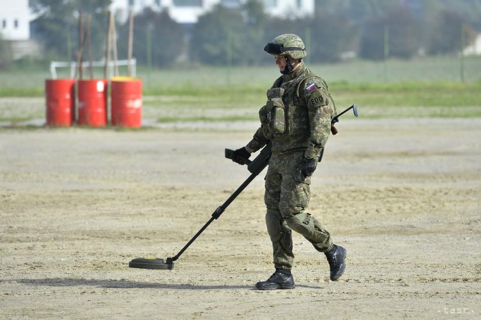 Slovenská armáda patrí v rámci NATO k špičke pyrotechnických zručnostiach. Foto - TASR