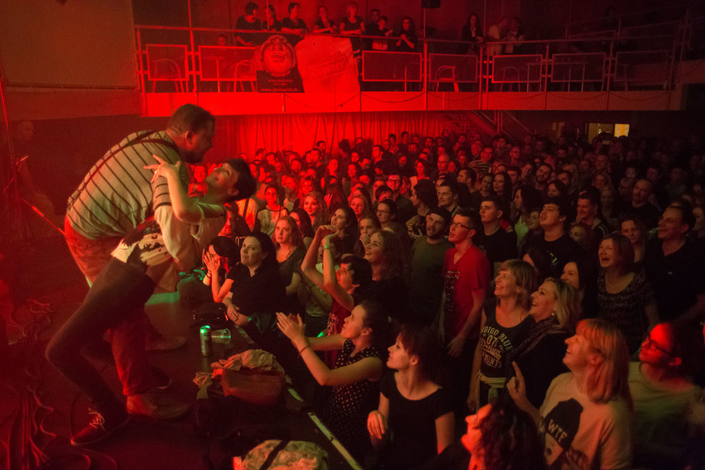 Speválk Pary Lasky vie ako spraviť z koncertu šou.