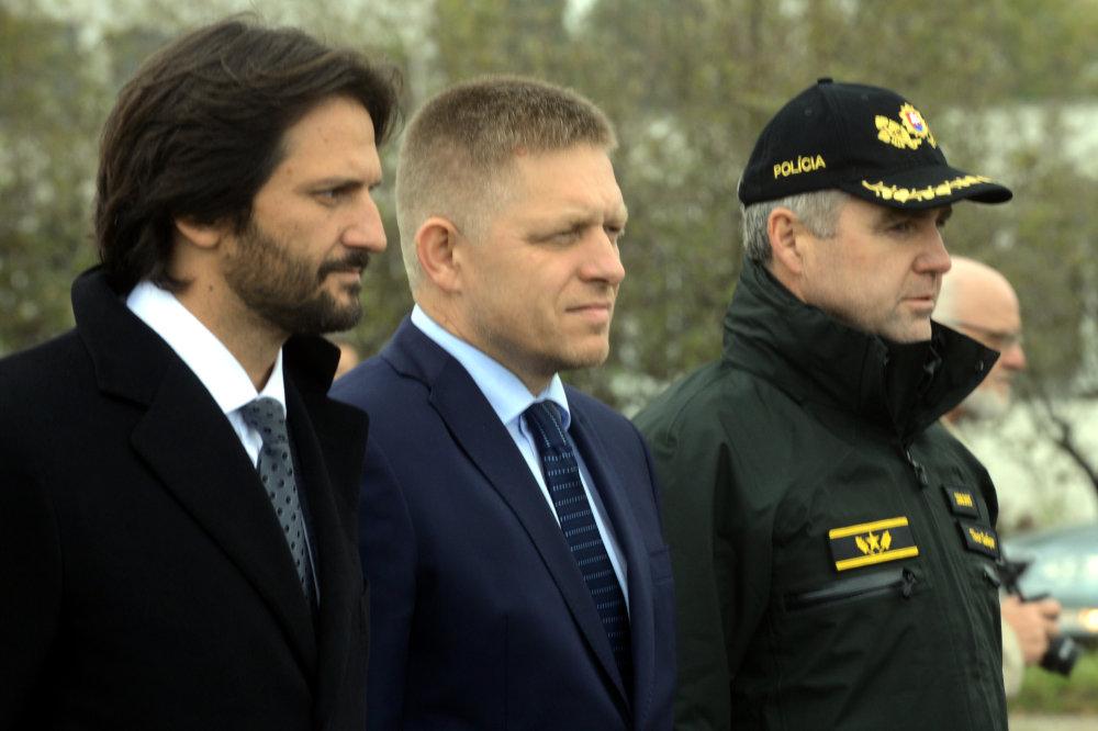 Robert Kaliňák, premiér Robert Fico a policajný prezident Tibor Gašpar. Foto – TASR