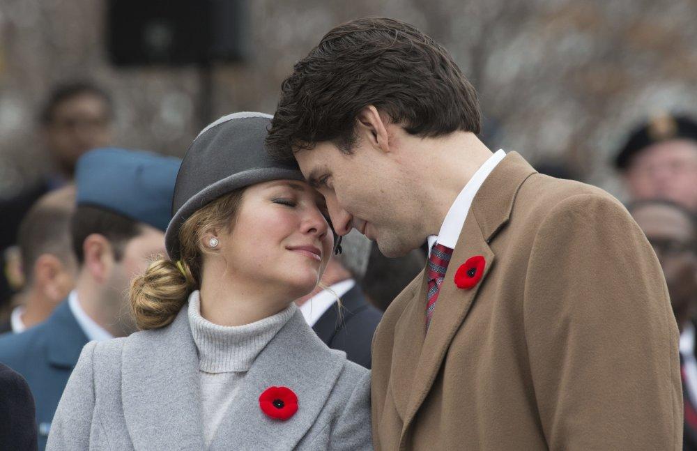Nový premiér Justin Trudeau s manželkou. foto - tasr/ap