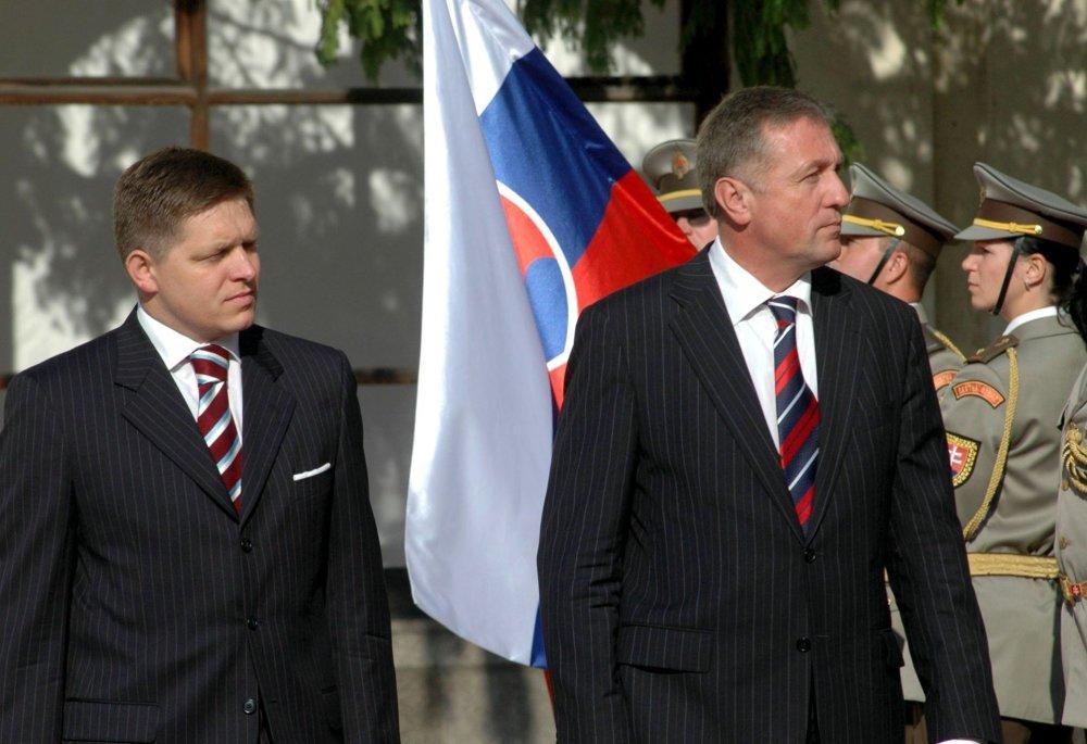 Leto 2006: čerství premiéri Robert Fico a Mirek Topolánek sa niekoľkokrát stretnú oficiálne i neoficiálne. Foto - TASR