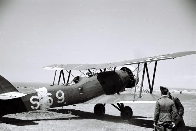 Lietadlo Letov Š - 328, na ktorom uleteli z Piešťan. Foto - archív Imricha Gablecha