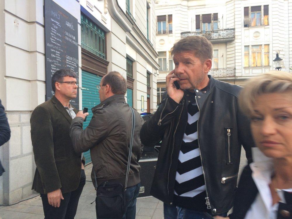 Miroslav Výboh s novinármi nekomunikuje. Foto N – Martina Pažitková