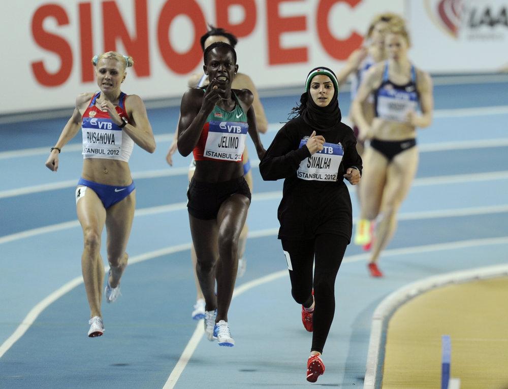 Julija Stepanovová (úplne vľavo) na halových Majstrovstvách veta v roku 2012, kde skončila 6. Pre doping jej ju však dodatočne diskvalifikovali. Foto - tasr/ap