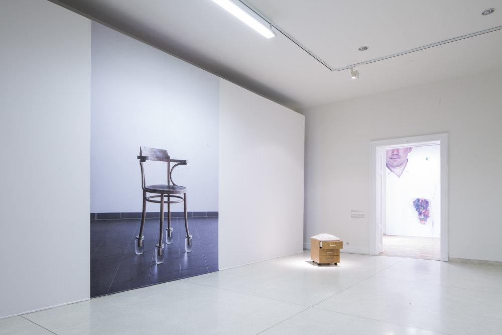 Pohľad do inštalácie Pavly Scerankovej v Moravskej galérii. Foto - Peter Fabo