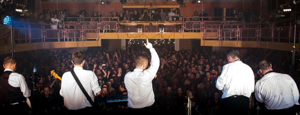 Sen každého hudobníka - full house. Vypredané však nebolo len v Trenčíne, ale aj vo všetkých ostatných mestách.