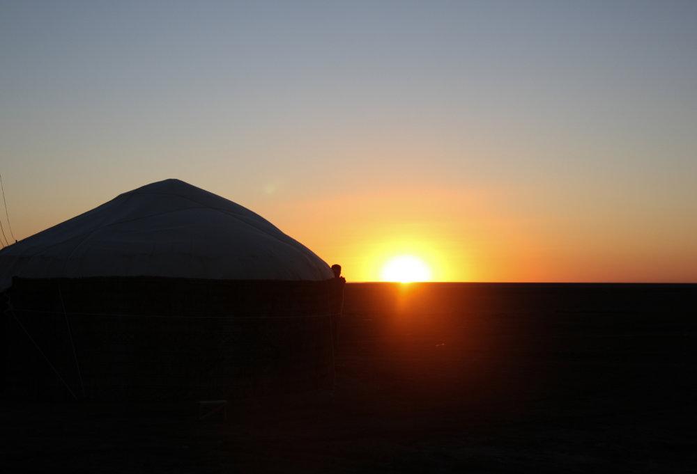 východ Slnka pri Aralskom jazere