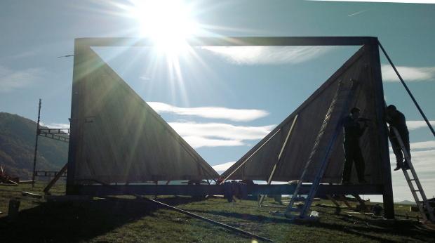 """""""Vernisáž"""" pyramídy je naplánovaná na 21. november v rámci akcie žilinskej Stanice Kunstbus. K nevšednej vyhliadke sa však dostanete kedykoľvek po turistickej a cyklistickej značke. Foto - Robo Blaško"""