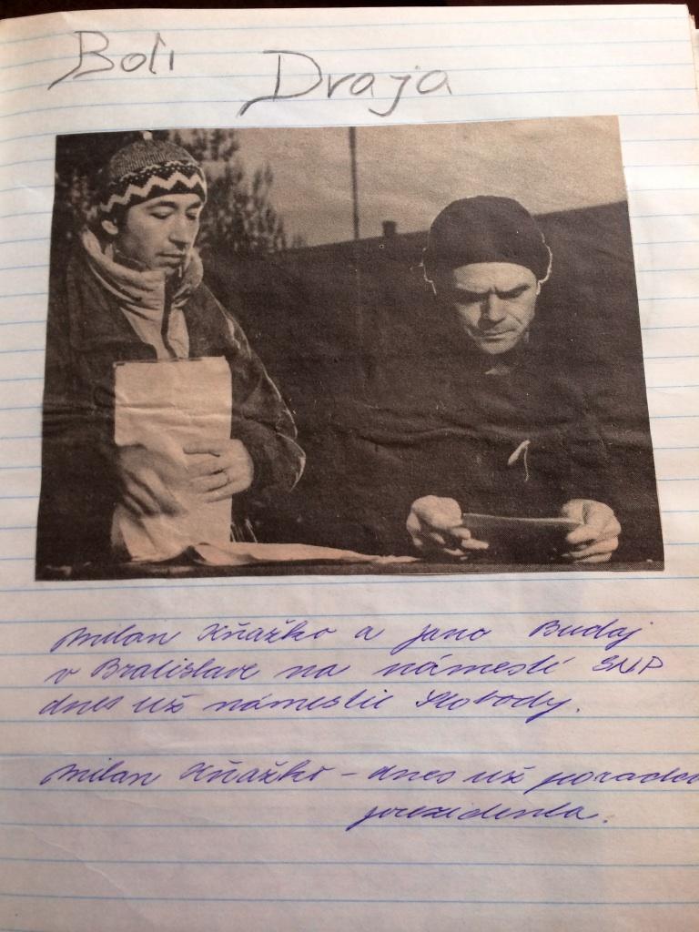 Zlatica Puškárová si na strednej škole vyrábala svoj politický zošit.