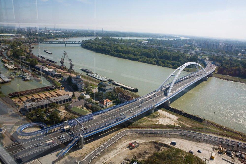 Most Apollo, Bratislava. Foto - Maňo Štrauch