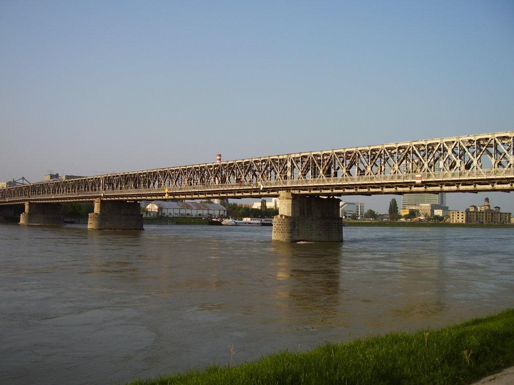 Starý most pred demontážou.