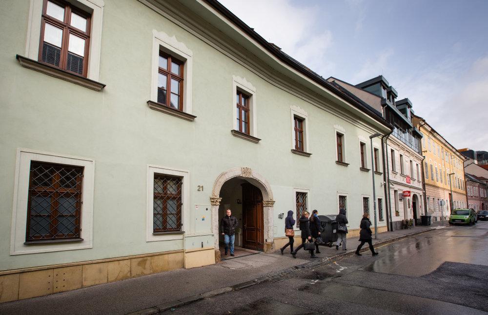 Priestory v centre hlavného mesta si pre úradníkov prenajal štát. Foto N - Tomáš Benedikovič