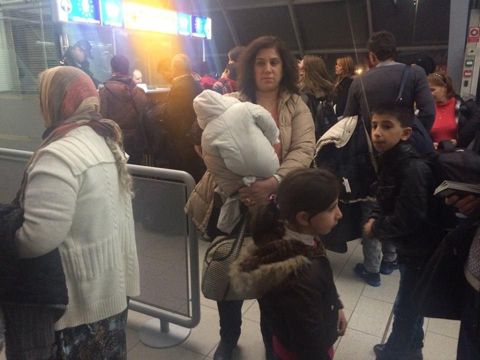 Utečenci z Iraku po prílete do Košíc. Foto - Nadácia Mercury One