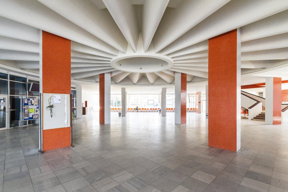 Interiér Slovenskej poľnohospodárskej univerzity v Nitre. Foto - Peter Kuzmin.