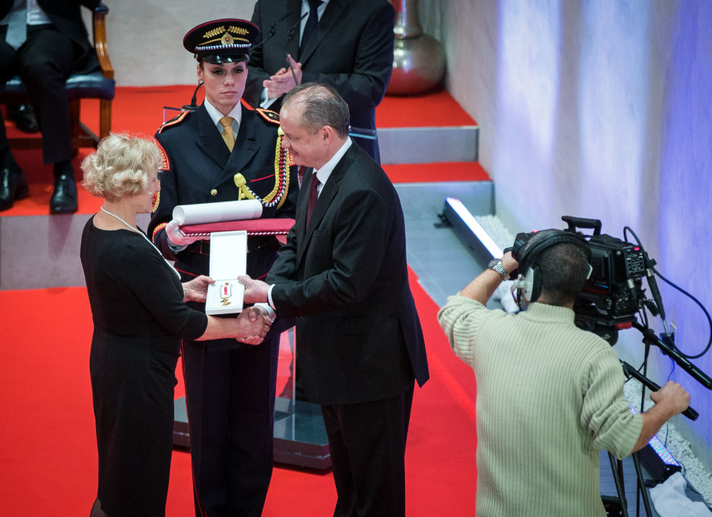 Mária Smreková pri vyznamenávaní prezidentom. Foto N - Tomáš Benedikovič