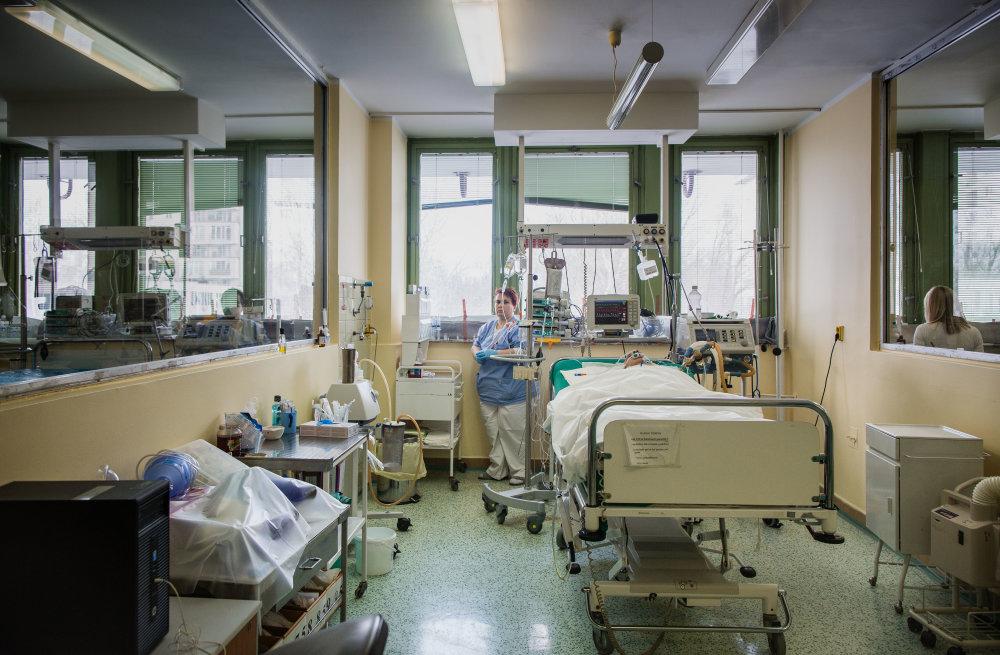 V nemocnici v Petržalke ostalo len 60 pacientov, 190 odviezli do iných nemocníc. Foto N - Tomáš Benedikovič