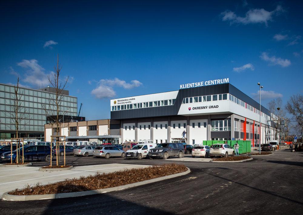 Administratívna budova Klientské centrum ministerstva vnútra. Foto N - Tomáš Benedikovič