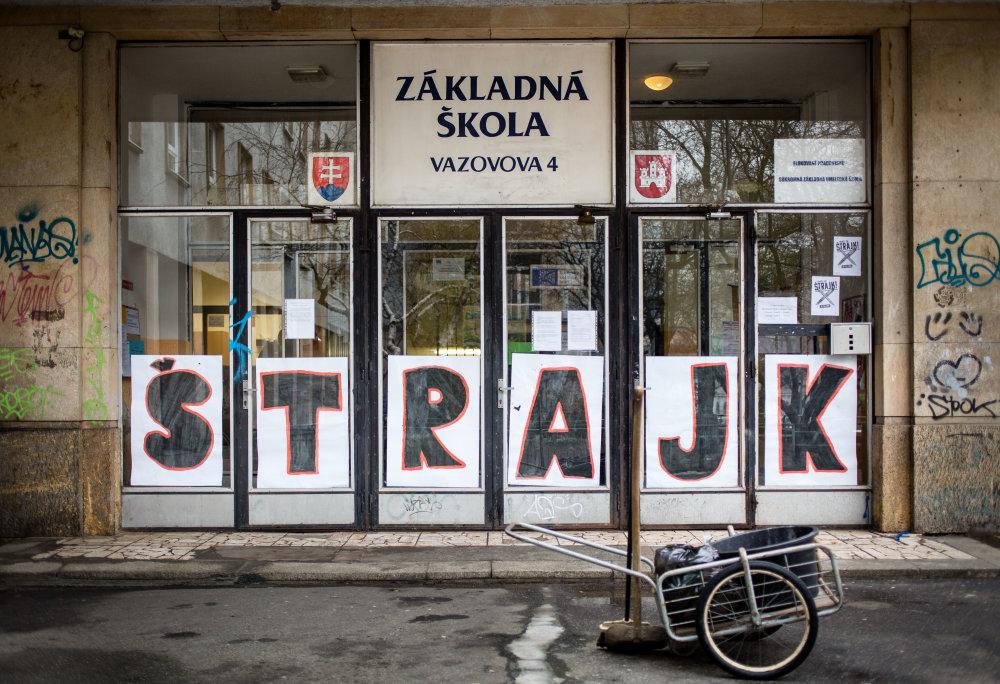 Nielen na Slovensku učitelia štrajkujú. foto N – Tomáš Benedikovič