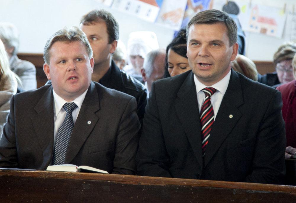 Dozorcovia Vlado Daniš a Ján Brozman (foto: Ľubo Bechný)