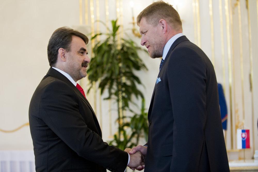 Jaromír Čižnár a Robert Fico. foto – TASR