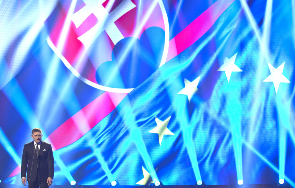 Premiér Robert Fico na galavečere k predstaveniu loga. Foto – TASR