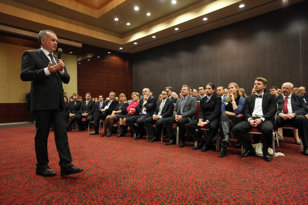 Diskusia prezidenta s osobnosťami trnavského kraja. Foto: Marián Garaj