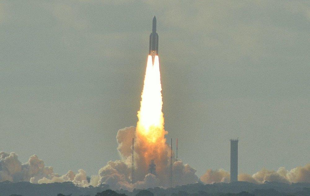 Európska vesmírna agentúra využíva na dopravu do vesmíru stredisko vo Francúzskej Guyane. Odteraz ho môžu využívať aj Slováci. Foto – Wikipedia.
