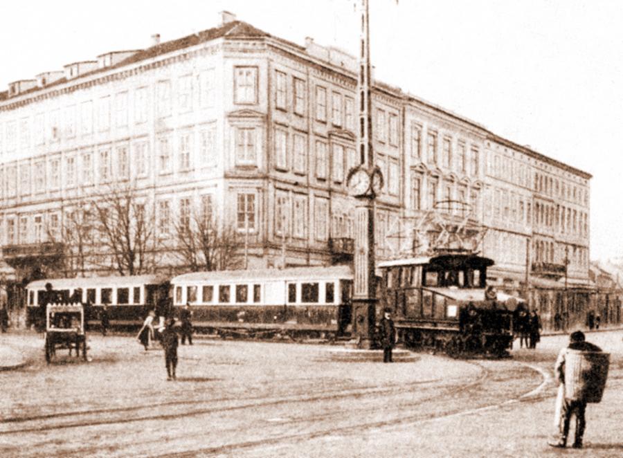 Pred-Hotelom-SAVOY-vyrez-1915-tinted