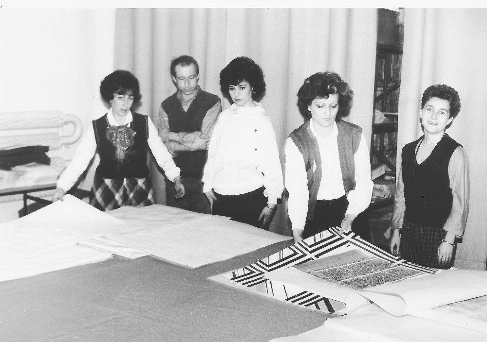 Predkladanie návrhov na výtvarnej rade, približne v roku 1983.