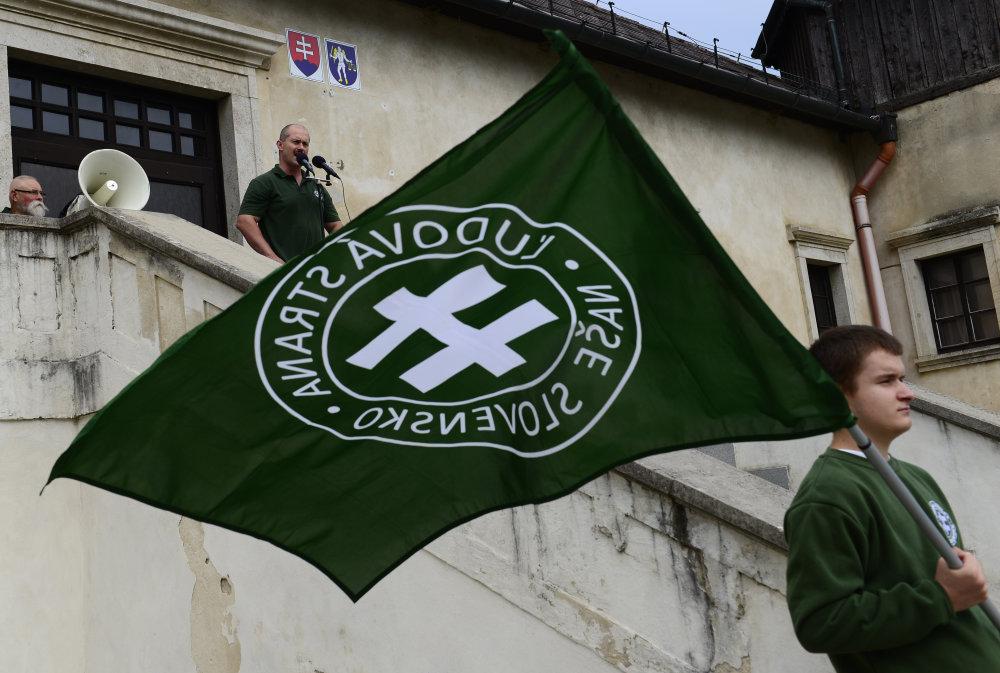 Rok 2013 – Kotleba reční v Šarišských Michaľanoch. Foto – TASR