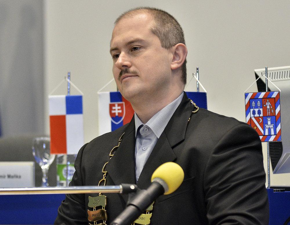 Politik v obleku. foto - TASR