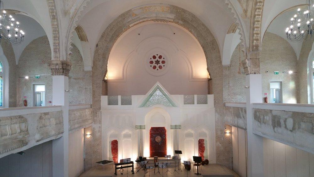 Interiér neologickej synagógy. Foto - tasr